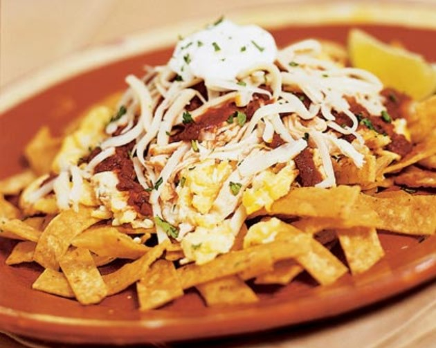 Chilaquiles de pollo is a great dish from Mexico