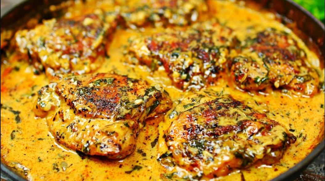 Creamy garlic chicken thighs