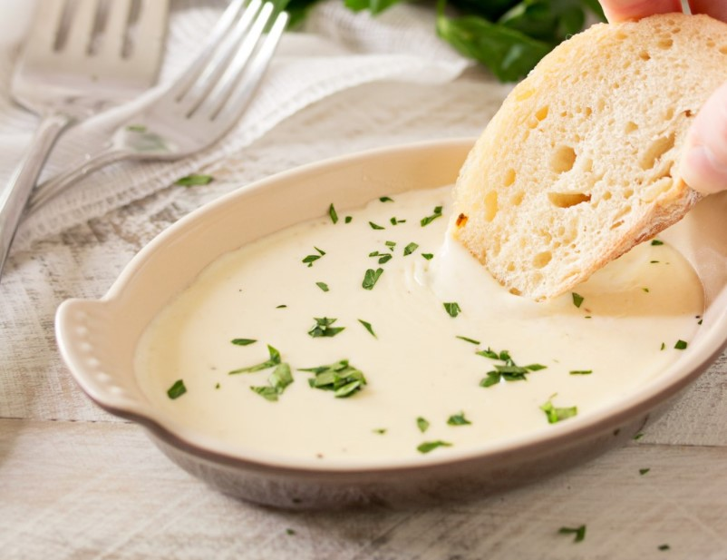 Directions for garlic cream sauce