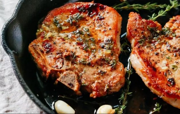 Pork chops & Toasted Garlic