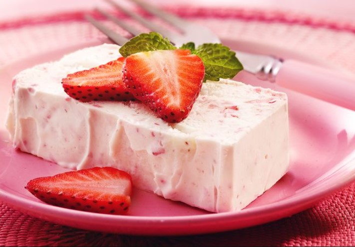 Semifreddo strawberry