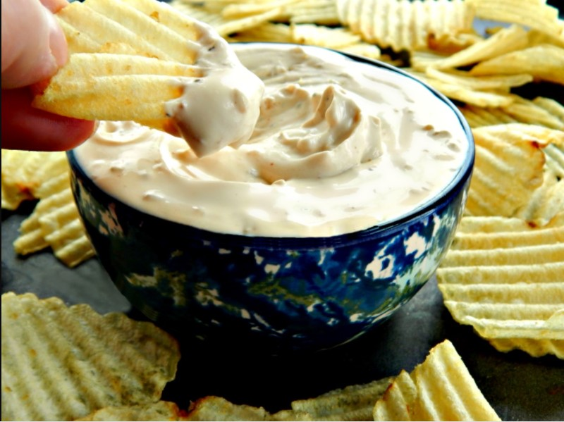 Serve with sour cream and fresh (or canned) chips.