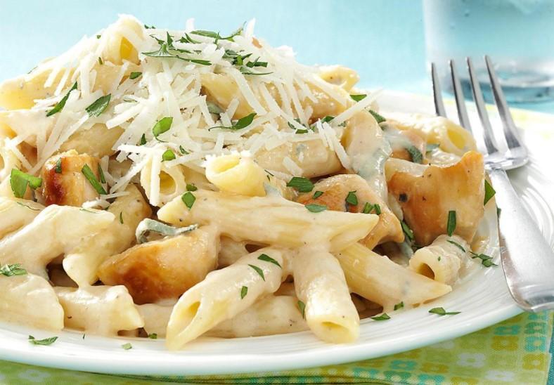 Make creamy garlic chicken penne pasta