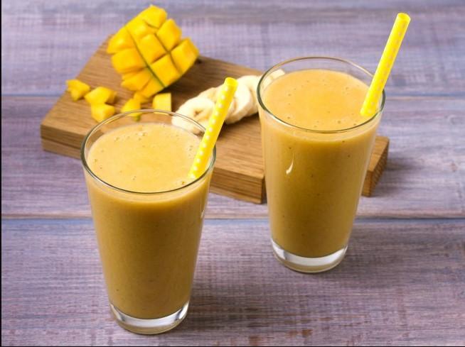 Milkshake with mango & banana